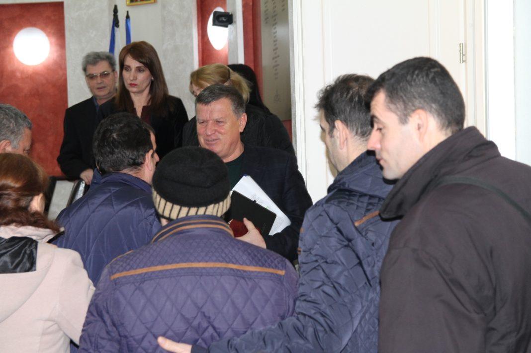 300 de locatari au cerut sprijin autorităţilor locale