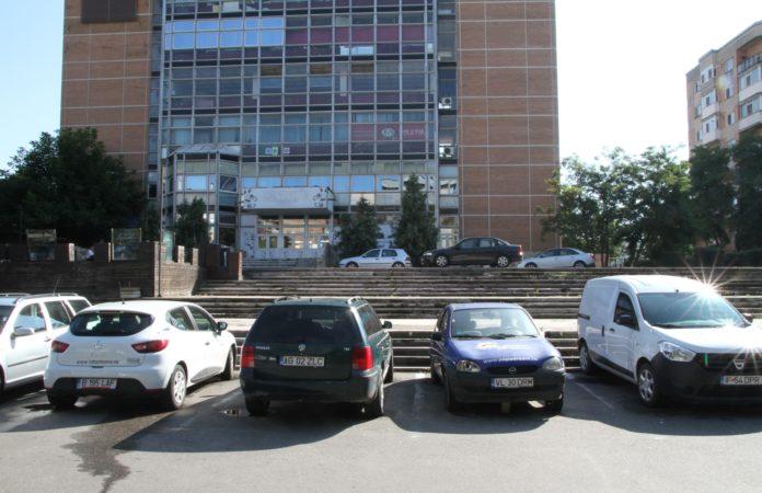 O noua parcare etajată cu 200 de locuri în faţa Casei Tineretului din Ostroveni