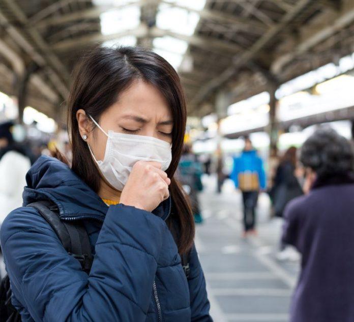 Reprezentanţii Serviciului de Ambulanţă România oferă sfaturi oamenilor pentru a reduce riscul de infecţie cu virusul din China