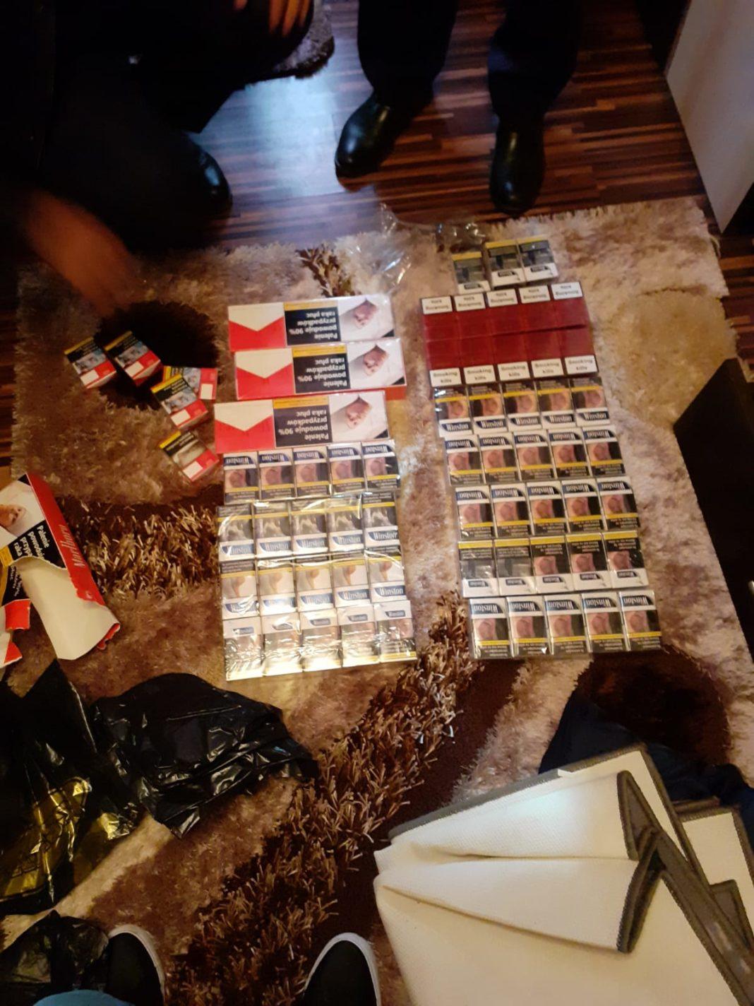 Percheziţii domiciliare în locuinţele a doi doljeni de unde s-au confiscat ţigări de contrabandă