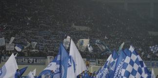 Un stadion full vrea un fotbal bun (Foto: Alex Vîrtosu)