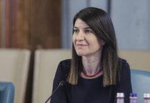 Violeta Alexandru: Alocaţiile copiilor se mai joacă şi la păcănele; voucherele ar fi o soluţie