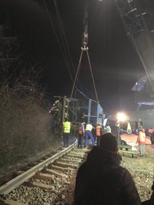 CFR SA continuă intervențiile pentru redeschiderea circulației feroviare în Olt