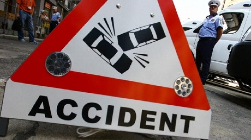 Un tânăr a fost rănit într-un accident pe Defileul Jiului