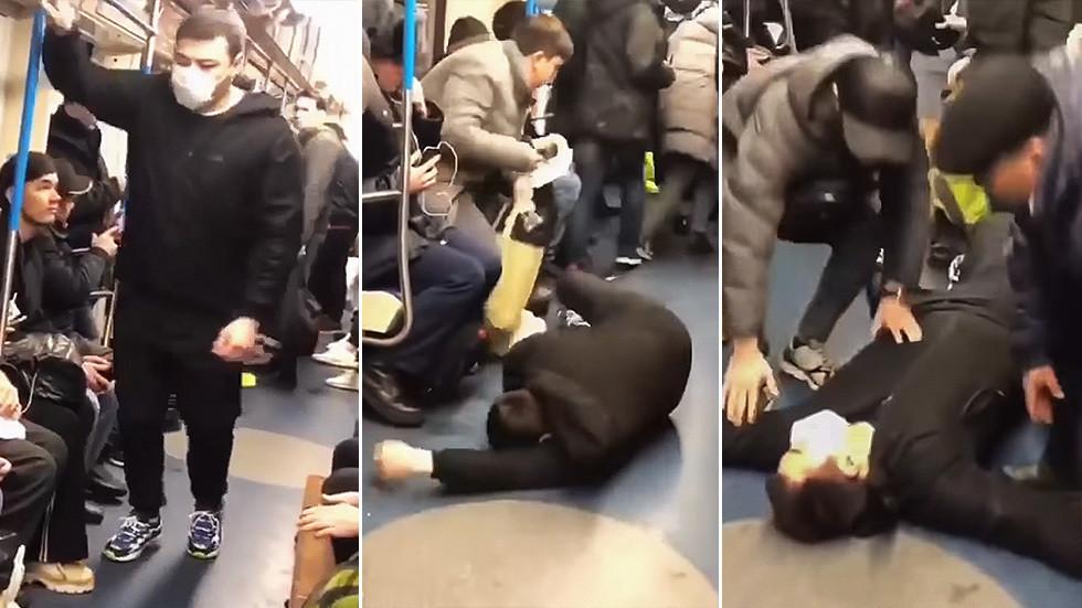 """Umor """"bolnăvicios"""" în metroul din Moscova"""