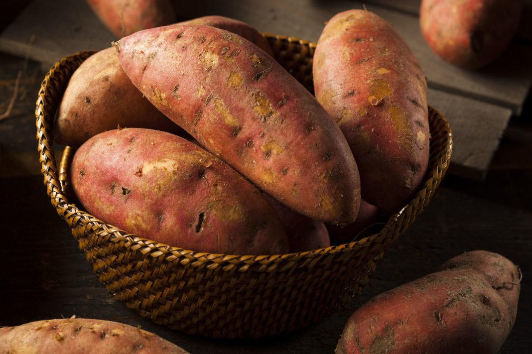 Motive pentru care ar trebui să consumaţi cantităţi mai mari de cartofi dulci