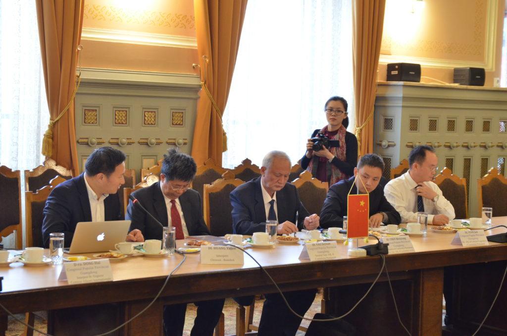 Delegaţia din Guangdong care a venit în vizită la CJ Dolj, în 2014