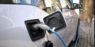 Stații de încărcare pe autostradă pentru mașini electrice