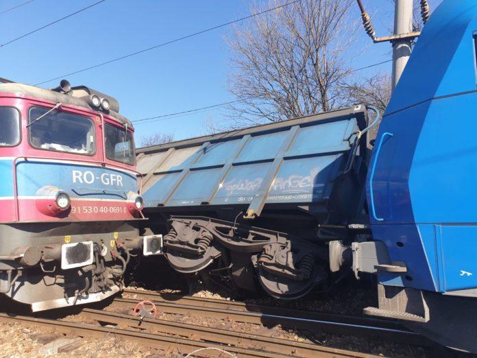 Accident feroviar în Balota. Două trenuri s-au ciocnit