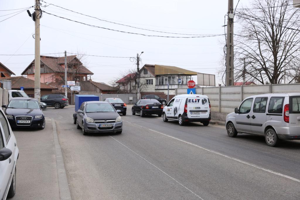 Semafoare în patru intersecții aglomerate din Craiova. Primăria studiază varianta să amplaseze semafoare la intersecţia străzilor Brestei şi Pelendava.