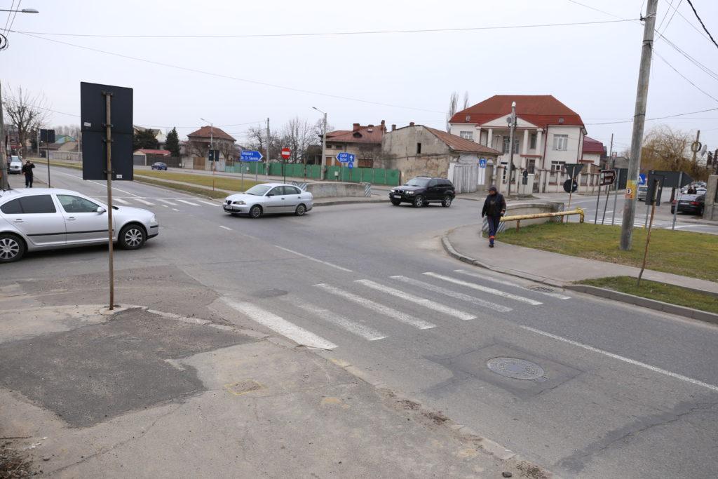 Semafoare în patru intersecții aglomerate din Craiova. Semafoare vor fi amplasate și pe strada Râului, la intersecţia cu strada Bucovăţ