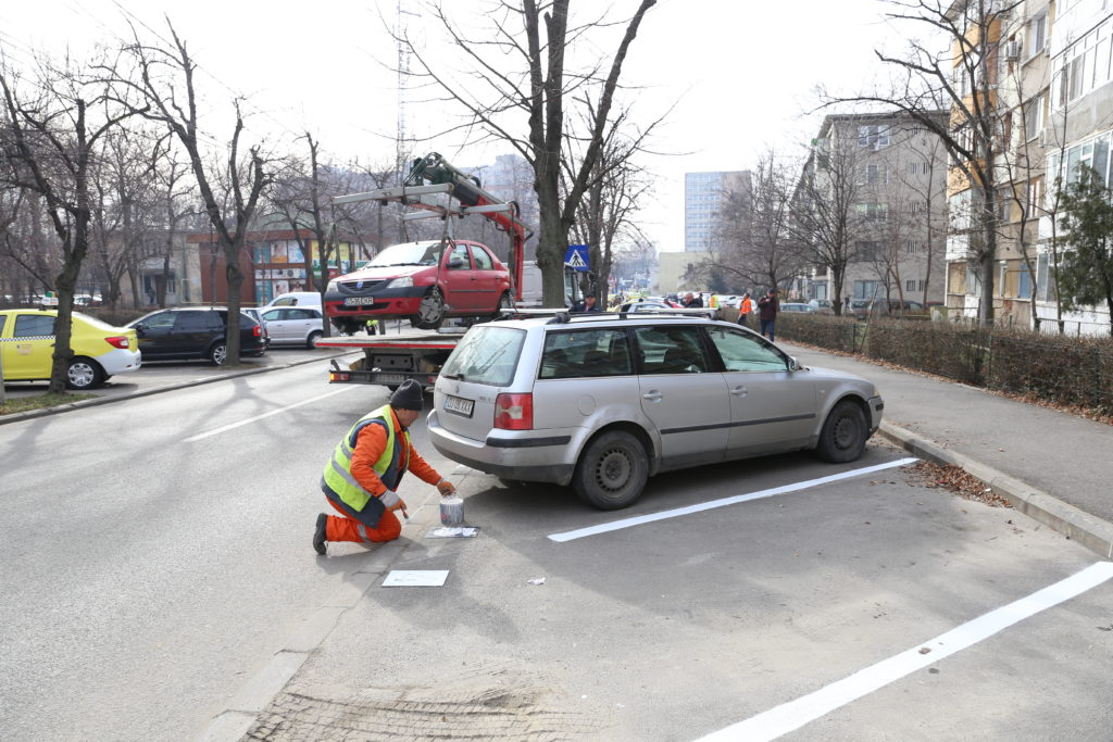 Locuri rezidenţiale de parcare de pe Calea Bucureşti, zona străzii Horia