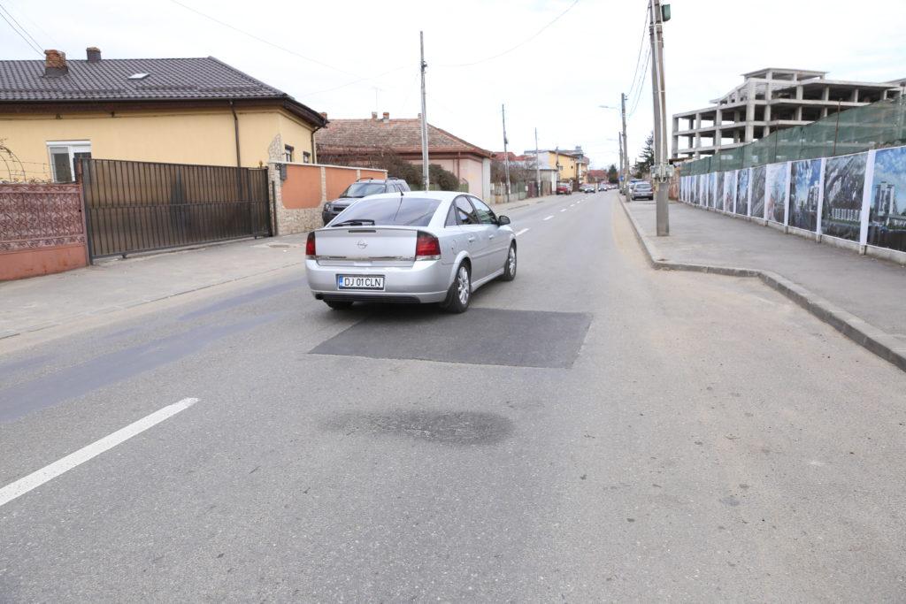 Reparaţia făcută pe strada Elena Theodorini, care a căpătat rol de limitator de viteză