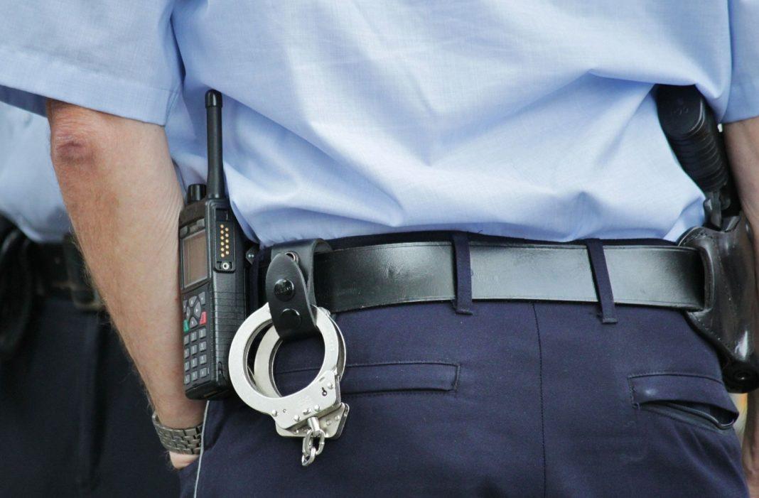 Brașovean, bănuit că ar fi sustras bunuri dintr-o societate comercială din Craiova, prins în flagrant de un polițist aflat în timpul liber