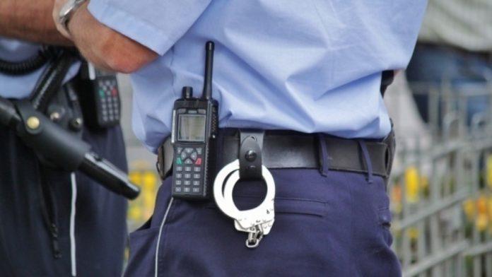 Ţigări de contrabandă, confiscate de poliţişti, în urma unei percheziţii