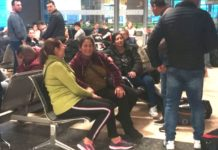 Români blocaţi în Valencia din cauza unei defecţiune la un avion