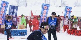 Bătaie cu bulgări de zăpadă în Niigata