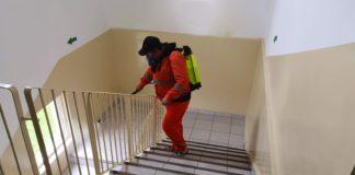 Dezinfectie la scările de bloc din Craiova