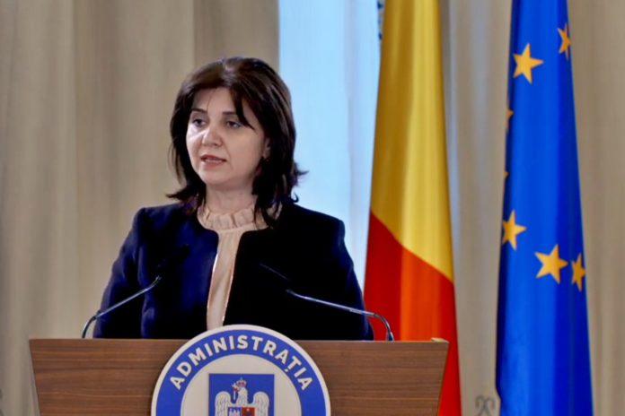 Monica Anisie: Nu se pune problema înghețării anului școlar