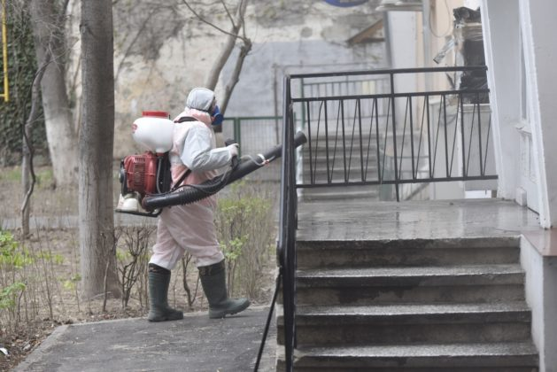 """""""Vânătorii"""" de coronavirus au intrat în acțiune la Craiova"""