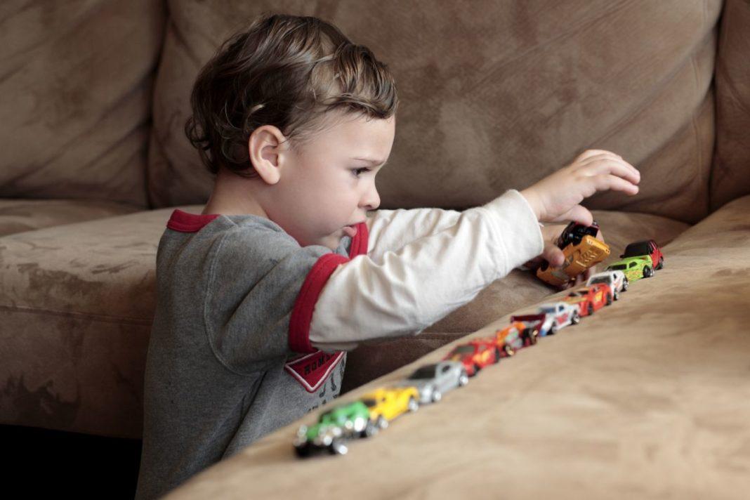 Copiii cu autism, victime colaterale în epidemia de coronavirus