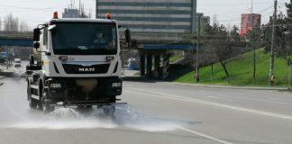 Dezinfectarea străzilor din Craiova continuă. Peste o sută de străzi au fost spălate cu clor doar în perioada 28 martie - 29 martie.