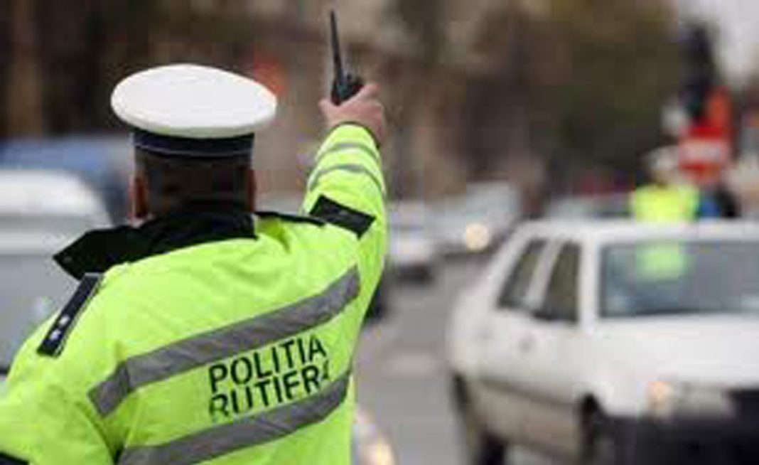 Un șofer a prezentat polițiștilor un permis auto eliberat în Italia, dar care nu ar fi autentic