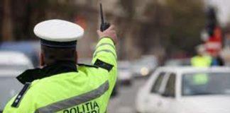 Un tânăr fără permis a plecat la plimbare cu mașina pe un drum județean