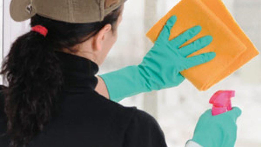 Cum să cureți și să dezinfectezi locuinţa în contextul pandemiei