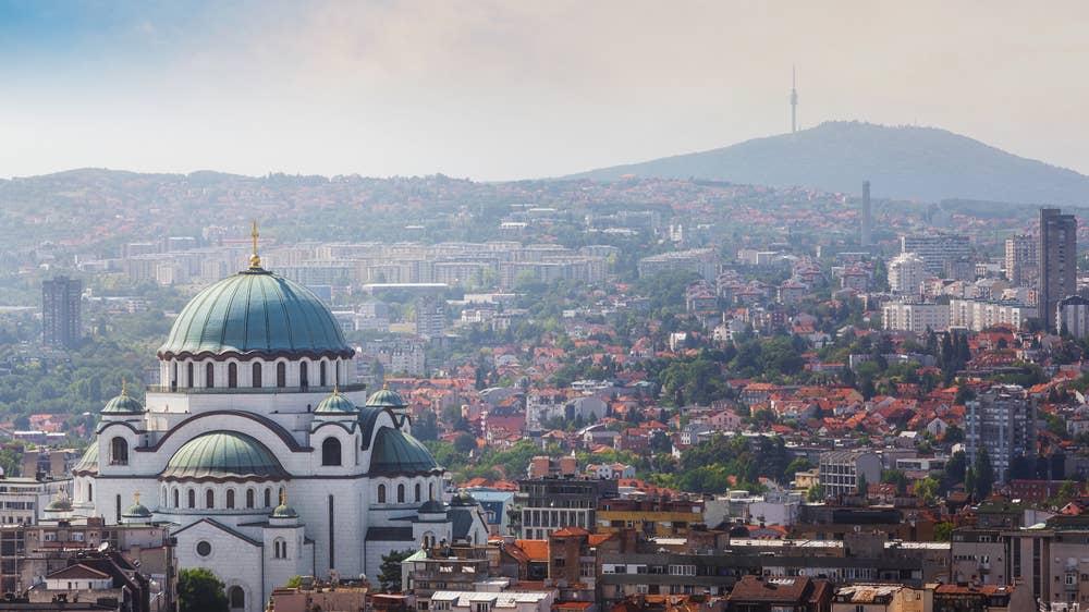 Cetăţenii străini care sosesc în Serbia din mai multe ţări vecine, respectiv România, Bulgaria, Croaţia şi Macedonia de Nord, vor trebui să prezinte un test negativ pentru coronavirus