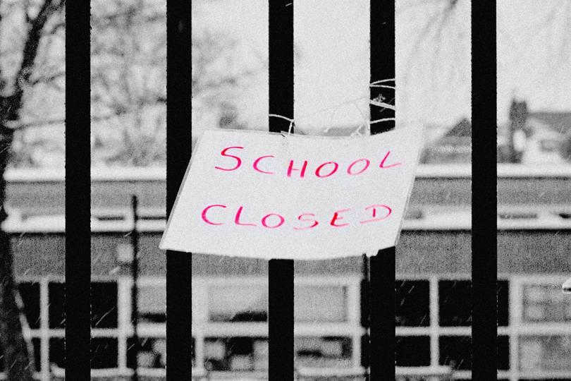 Se închid şcolile pe termen nedeterminat
