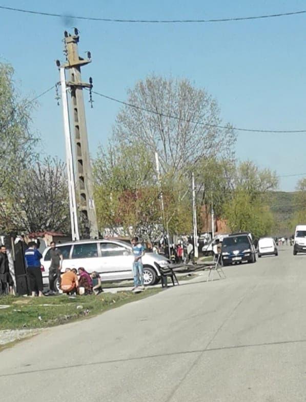 Localnici de la Coțofenii din Față, pe străzi în plină pandemie de coronavirus