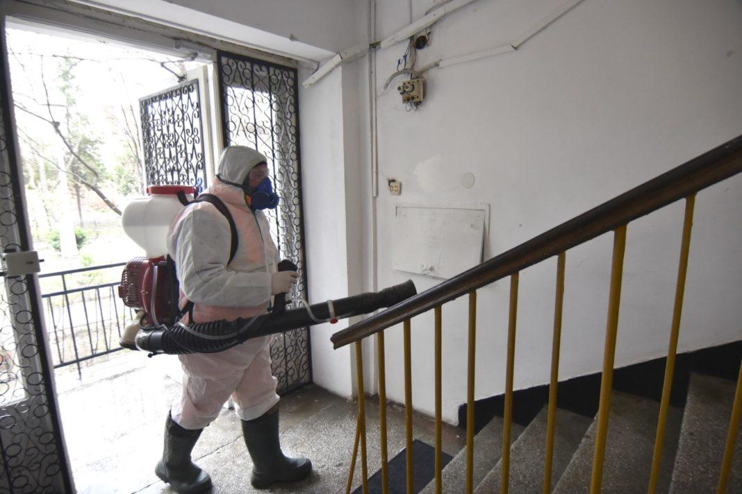 Salubritatea a reluat dezinfecţia în blocuri