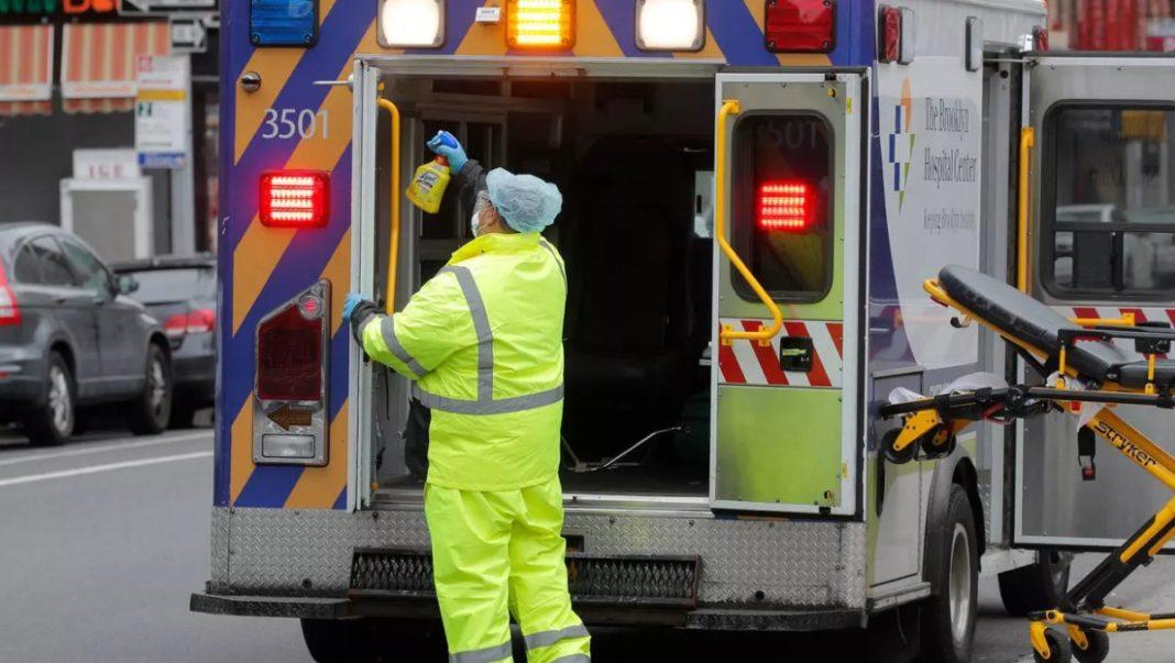 Noul coronavirus a ucis un număr record de 865 de persoane în Statele Unite în termen de 24 de ore