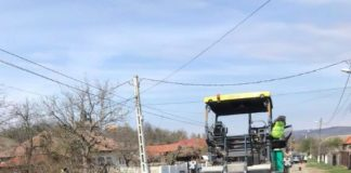 Asfaltări pe trei drumuri judeţene din Gorj