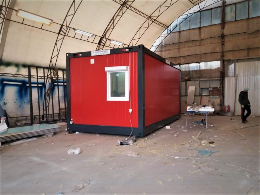 FOTO: Spital modular construit în curtea Institutului Fundeni din donații strânse de medici