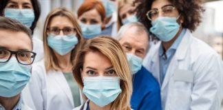 32.000 de măști chirurgicale care vor fi distribuite medicilor de familie și personalului care se ocupă de îngrijirea bătrânilor