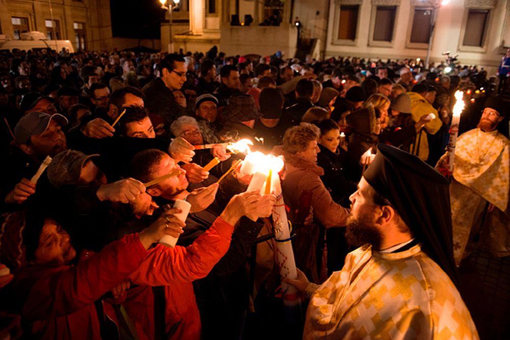 Slujba de Înviere, în biserici fără credincioși