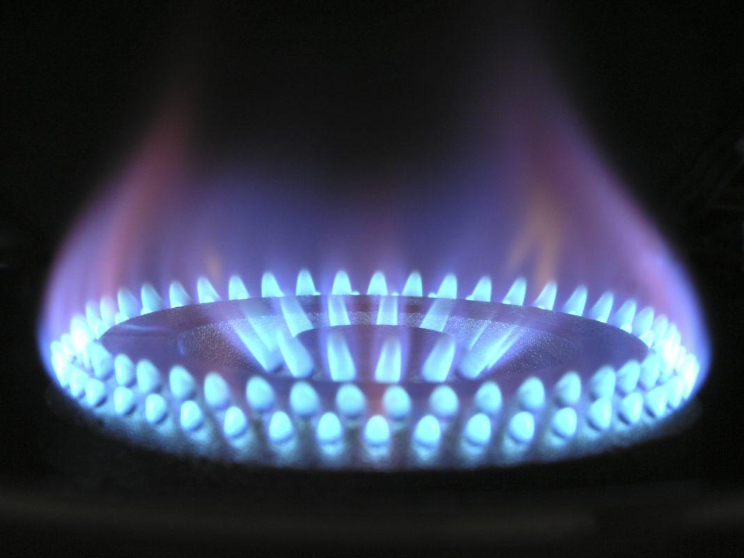 Facturile la gaze vor crește cu până la 25% pentru cei care nu au trecut deja pe piața liberă