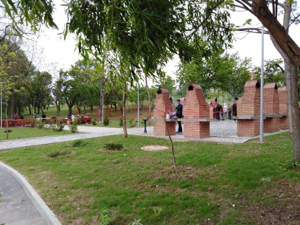 Camere video vor fi amplasate și în grădinile și parcurile publice, în piațete și în preajma unităților de învățământ