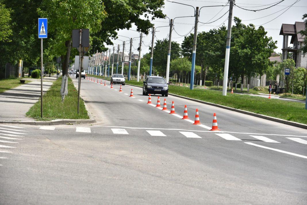 De trasarea marcajelor rutiere clasice se ocupă tot RAADPFL Craiova