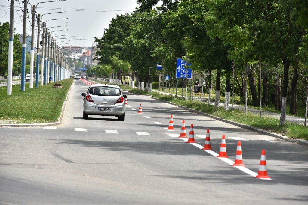 """""""Operațiunea Marcajul"""". Marcajele rutiere trasate în această primăvară pe străzile din Craiova vor costa peste 700.000 de lei"""