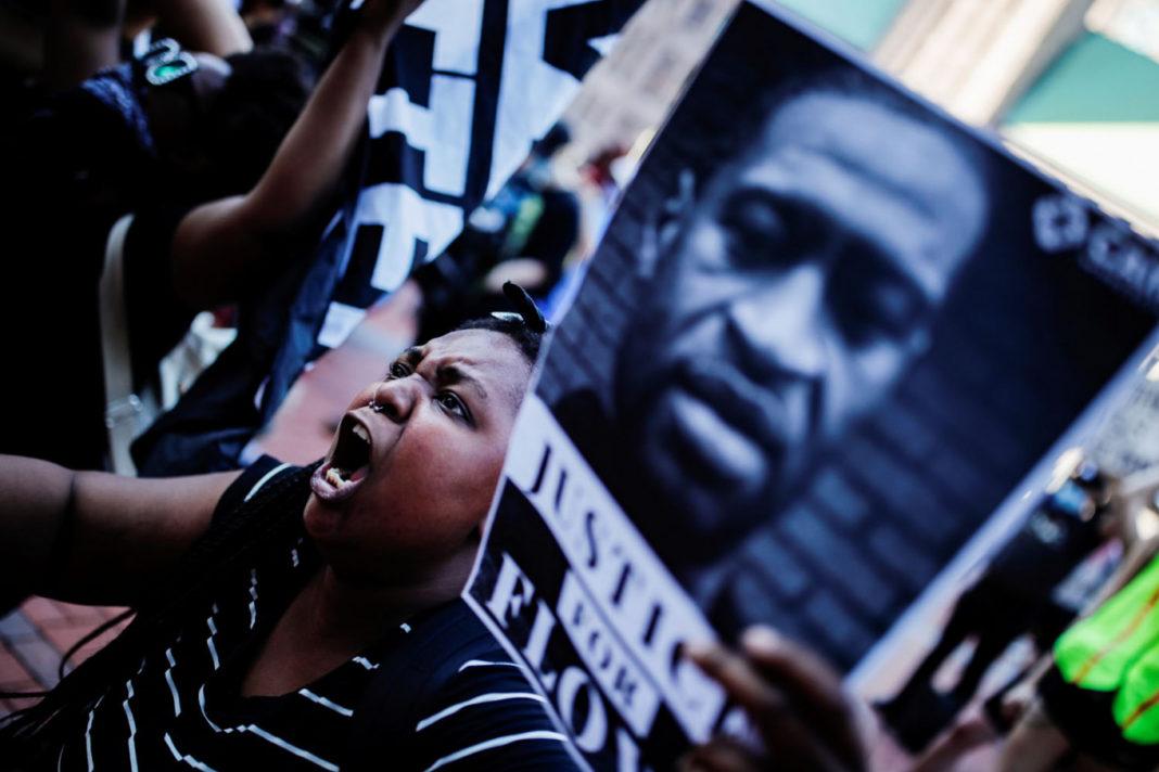 VIDEO: Filmul morții lui George Floyd, care a stârnit revolta în SUA
