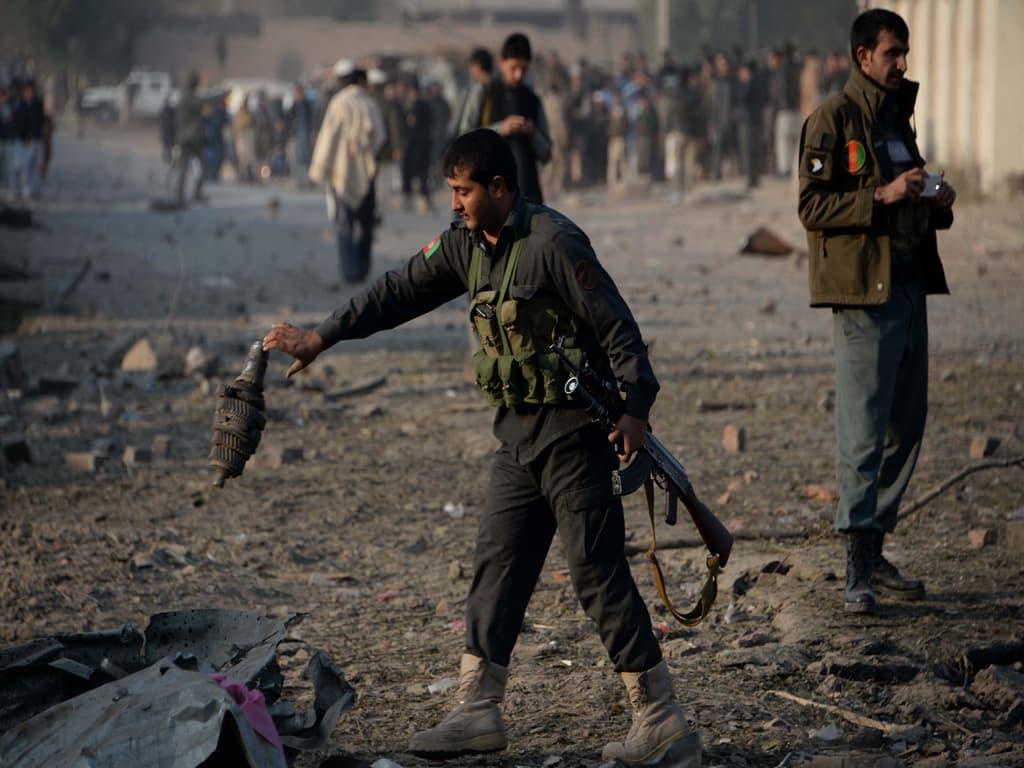 Afganistan: Zeci de morţi şi răniţi într-un atac asupra unei pieţe