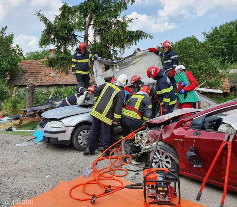 Trei persoane rănite într-un accident rutier petrecut în municipiul Zalău