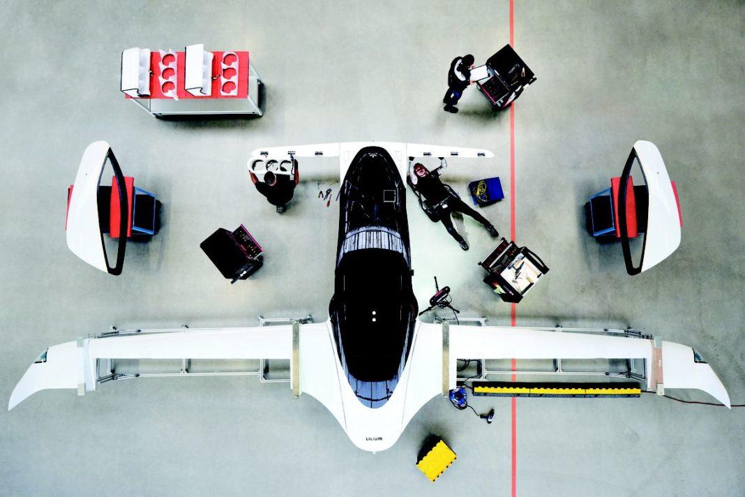 Investitor al Tesla şi SpaceX finanţeză un startup de taxiuri zburătoare