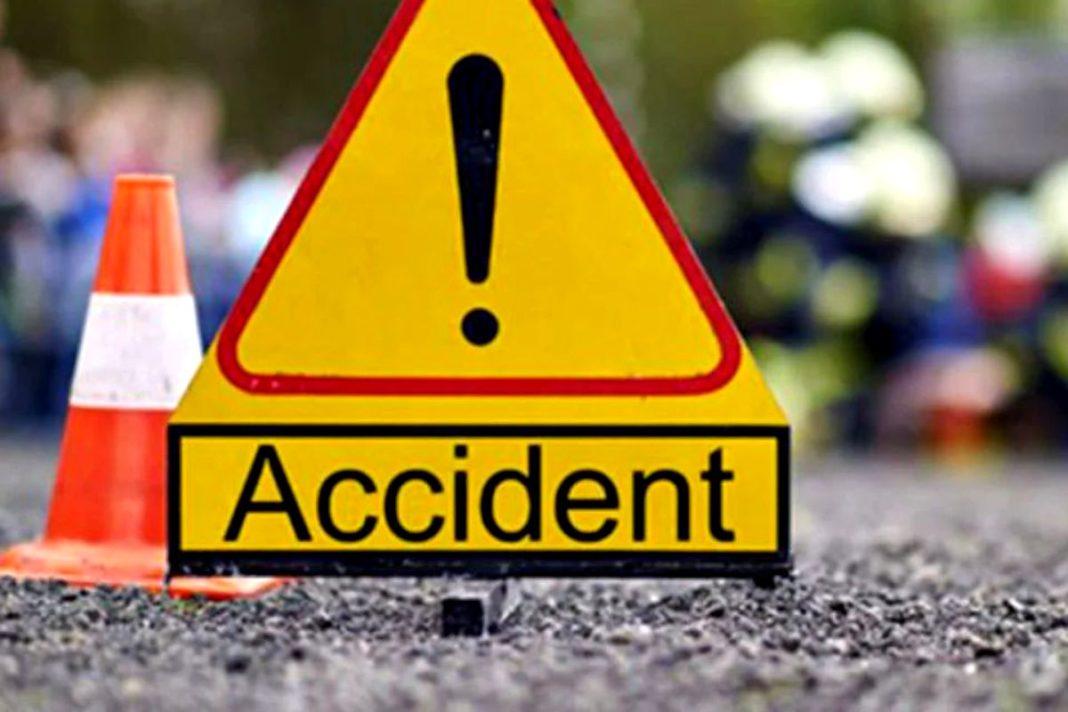 Un șofer a fost rănit după ce a intrat în coliziune cu un alt autoturism, căruia nu i-a acordat prioritate