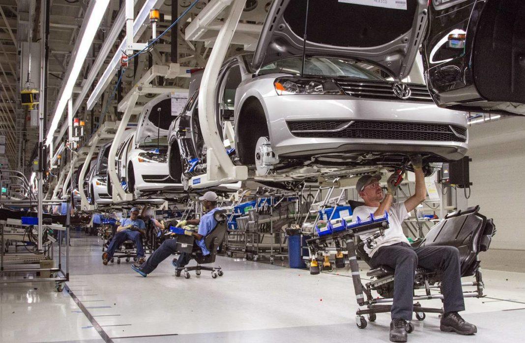 Cinci luni consecutive de scădere pe piața auto din România