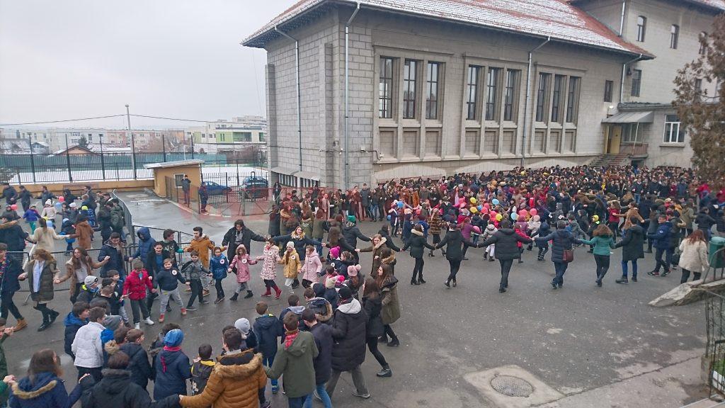 Managerii unităților școlare din Craiova au spus că ar avea nevoie de zeci de containere care nu ar avea unde să le amplaseze