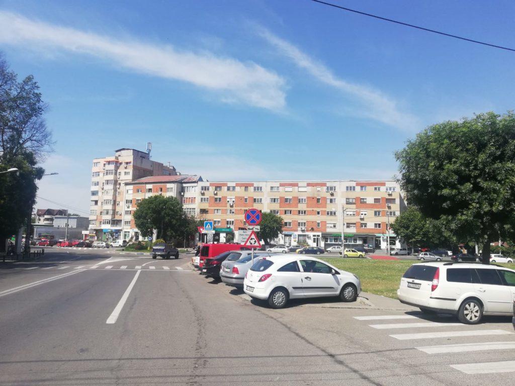 Parcarea supraetajată va avea intrarea dinspre strada Corneliu Coposu și ieșirea în strada Unirii